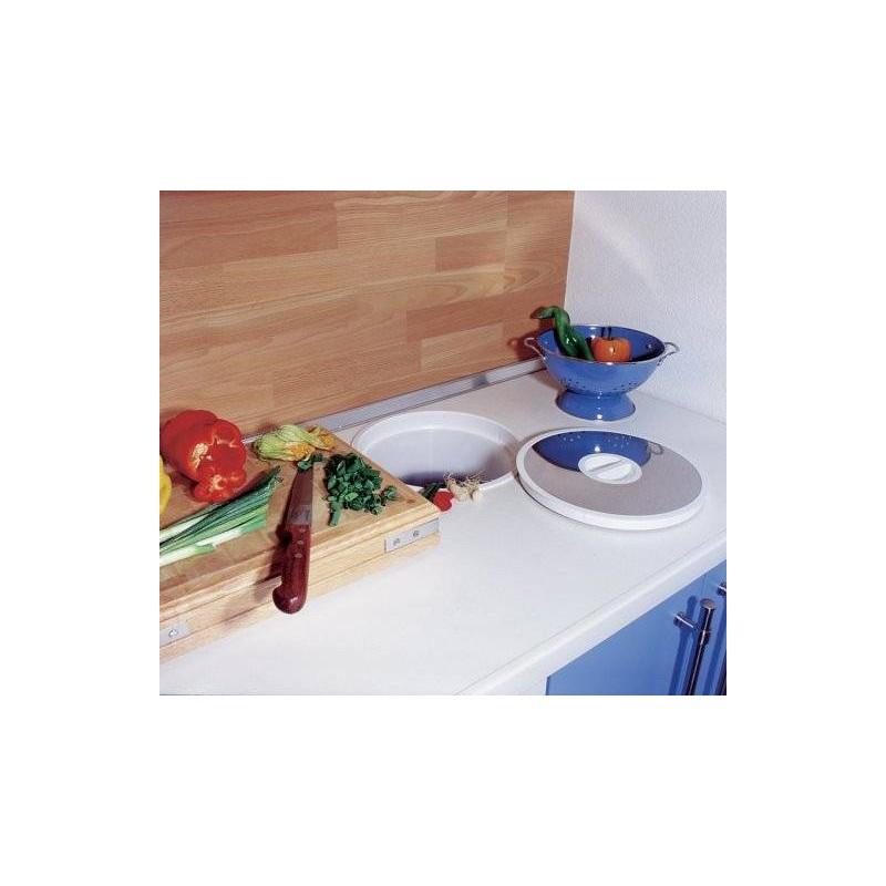 vide dechets encastrable dans plan de travail accessoires de cuisines. Black Bedroom Furniture Sets. Home Design Ideas