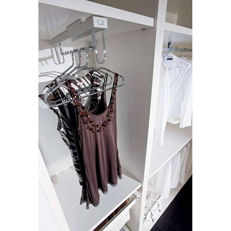 penderie porte cintres coulissant sous etagere accessoires de dressing. Black Bedroom Furniture Sets. Home Design Ideas